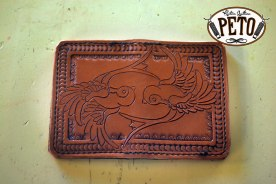Peto Kustom Leathers carved card case swallows